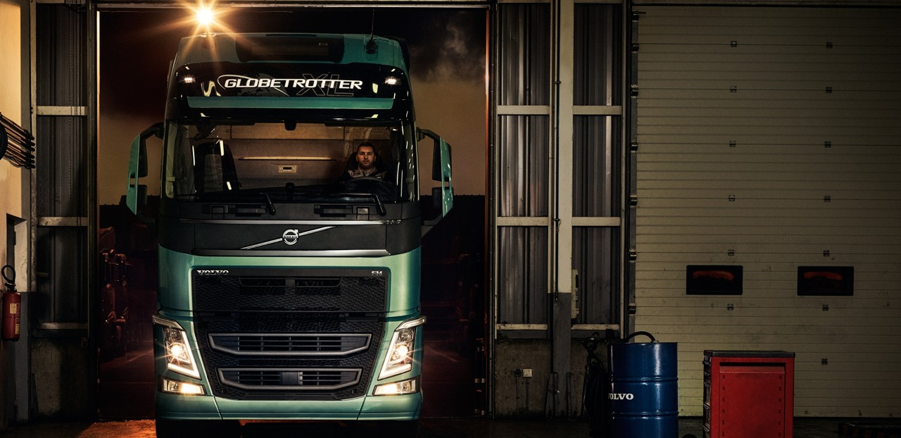 Volvo trucks services servicing contracts in workshop
